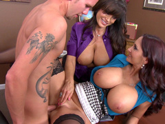 Lisa Ann watches husband cheating on her with full-bosomed Ava Addams