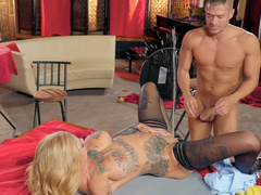 Big-boobied Bonnie Rotten excellently pretended to be satisfied serving two men