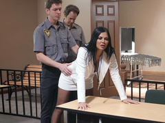 Guard finds butt plug in Jasmine Jae's asshole and wants to punish her