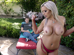 Hot Mom Swims - Nina Elle - Brazzers HD -2