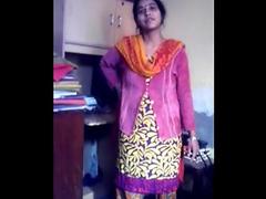 Simi Bhabhi Wet Indian Pussy