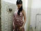 Pakistani Solo Teen Babe Madiha Khan Sex Scandal