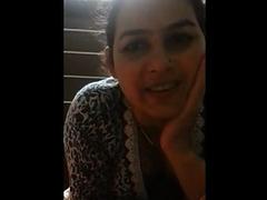 Hot Indian Sex Mature Bhabhi Sending Love To Her Husband