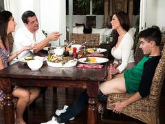 Bad sexy mom Kendra Lust makes love with her son Jordi El Niño