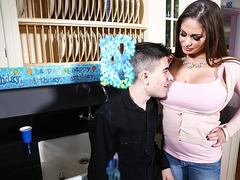 Horny and busty mom Cathy Heaven fuck Jordi El Niño