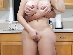 This thick MILF XXX drives me crazy and I can't get over how epic her body is